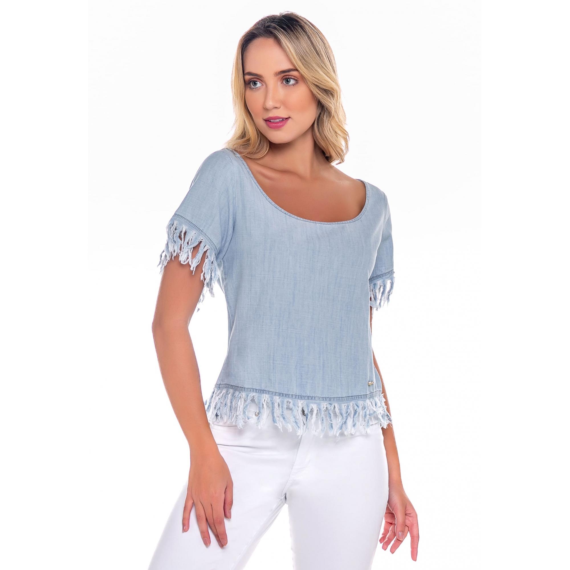 Blusa Jeans Feminina Detalhe Manga e Barra Azul Claro