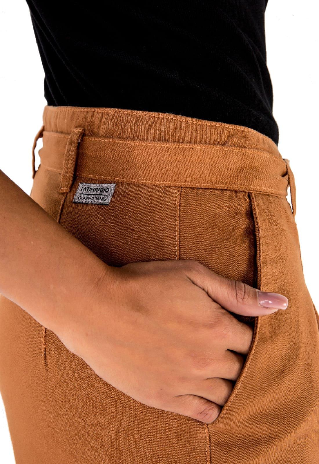 Calça em Sarja Cintura Alta com Laço Latifundio Cominho