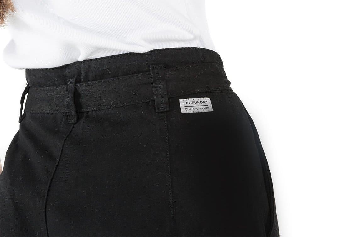 Calça em Sarja Cintura Alta com Laço Latifundio Preta