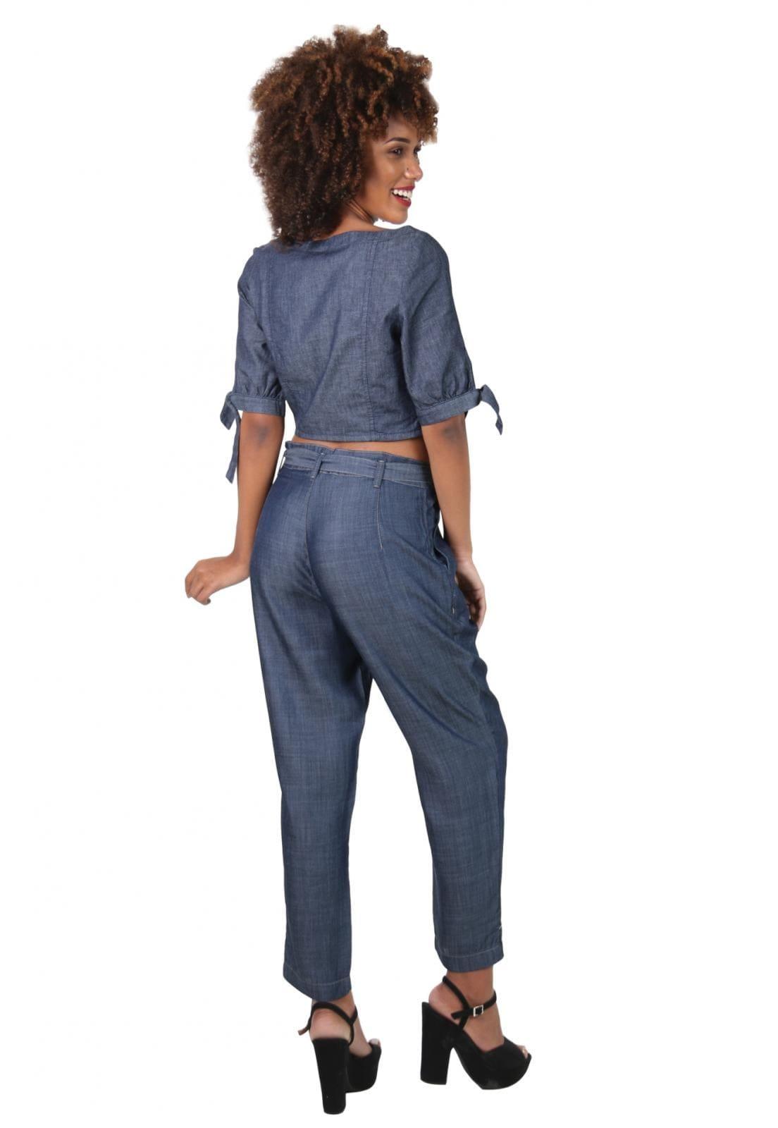 Calça Jeans Feminina Carrot com Laço Cintura Escura