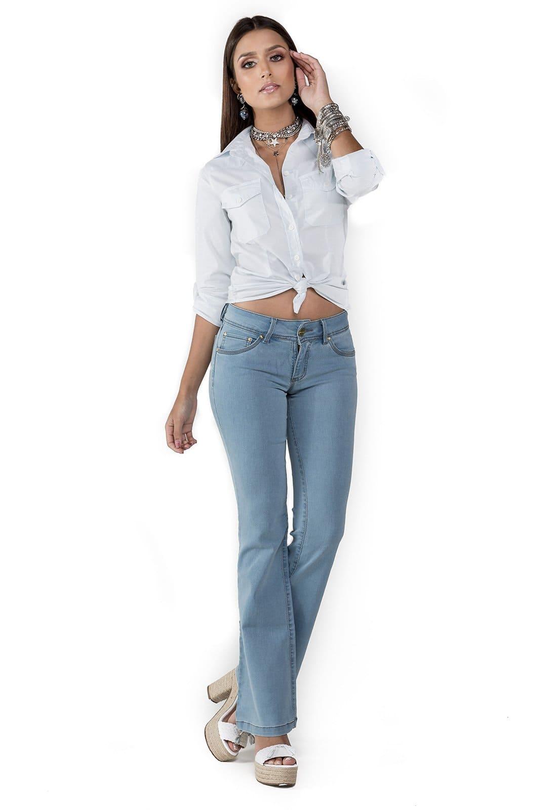Calça Jeans Feminina Flare Intermediária Azul Claro