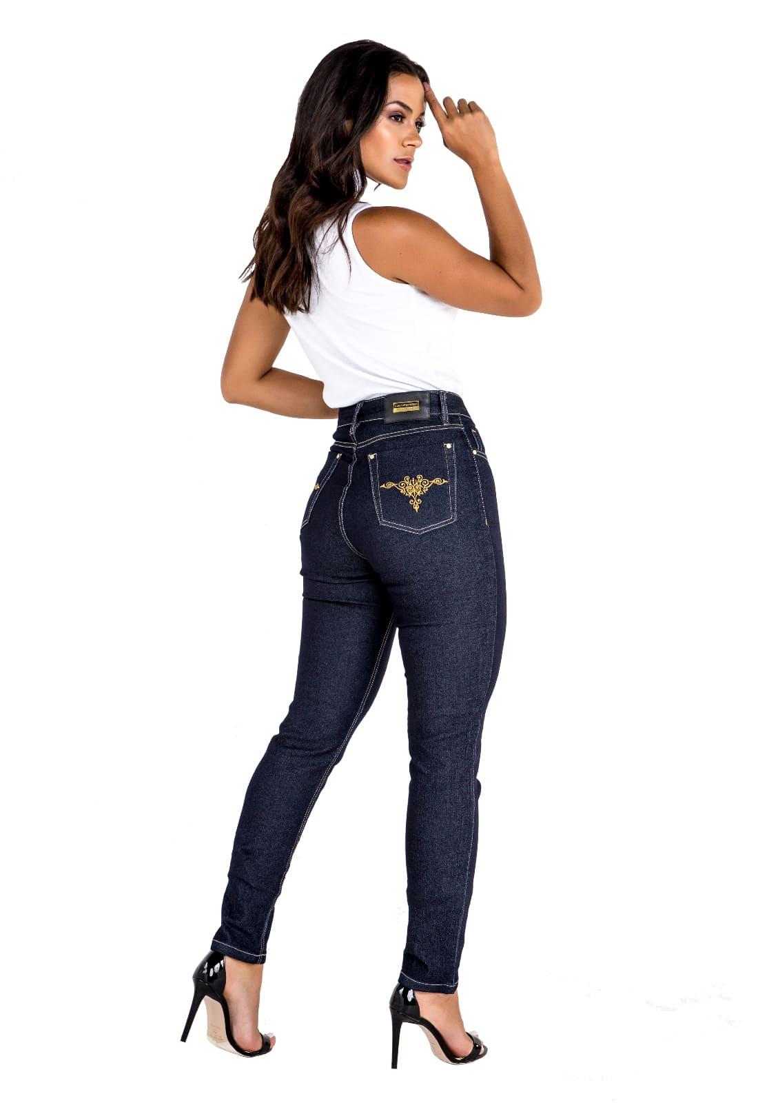 Calça Skinny Feminina Jeans Amaciado com Filigrana