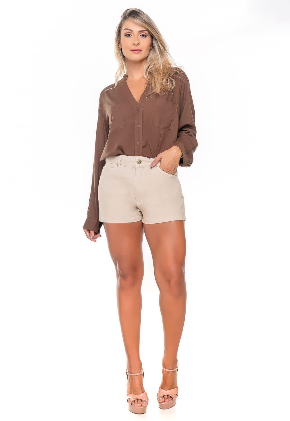 Short feminino Curto Off-White