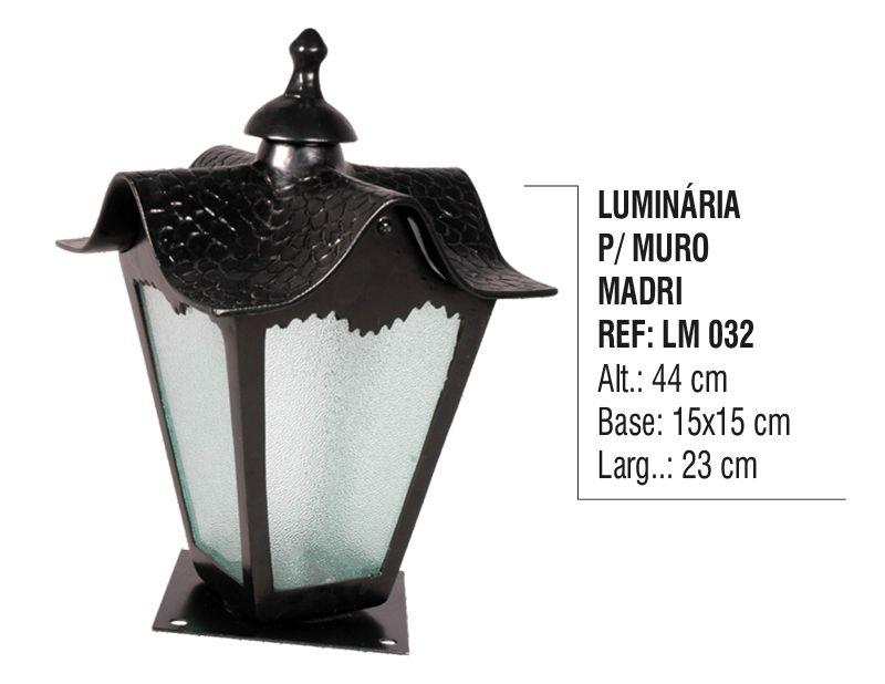 Luminária Colonial para Muro Madri em Alumínio e Vidro