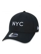 BONÉ NEW ERA 3930 SIMPLE SIGN NYC - PRETO E BRANCO