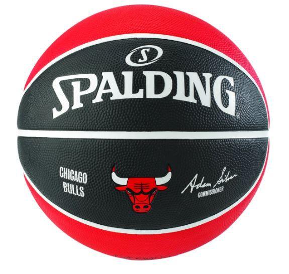 BOLA DE BASQUETE SPALDING NBA CHICAGO BULLS - PRETO E VERMELHO
