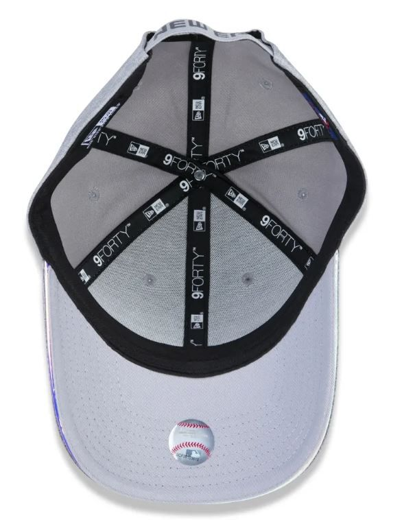 BONÉ NEW ERA FEMININO 940 NEW YORK YANKEES IRIDESCENT - CINZA