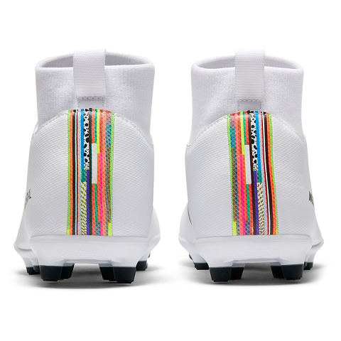 CHUTEIRA CAMPO NIKE MERCURIAL SUPERFLY 6 CLUB INFANTIL  - BRANCO