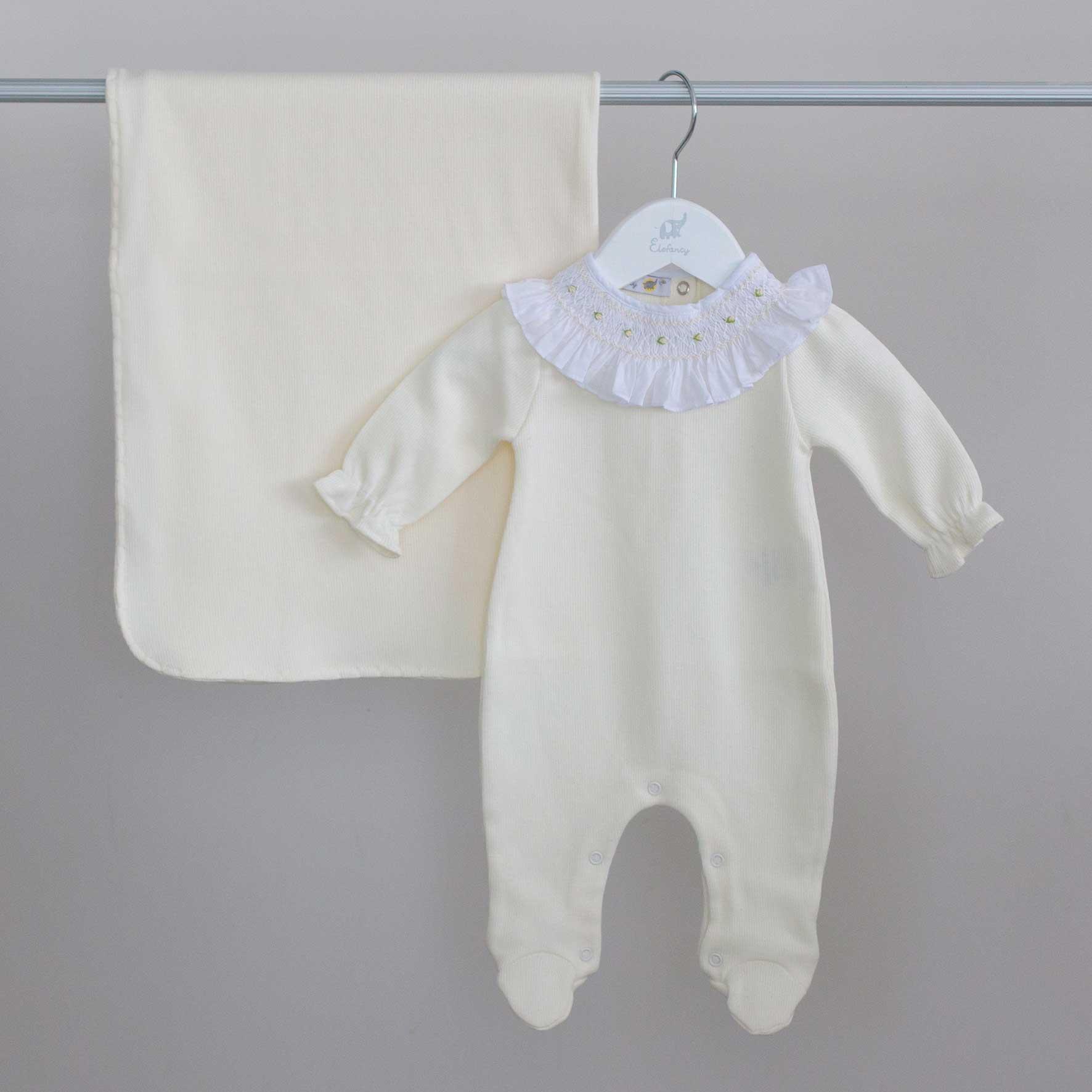 Saída Maternidade Casinha Off White - Tricotil