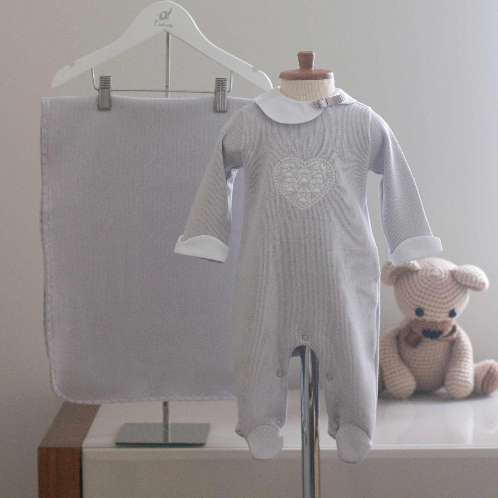 Saída Maternidade Coração Cinza - Tricotil