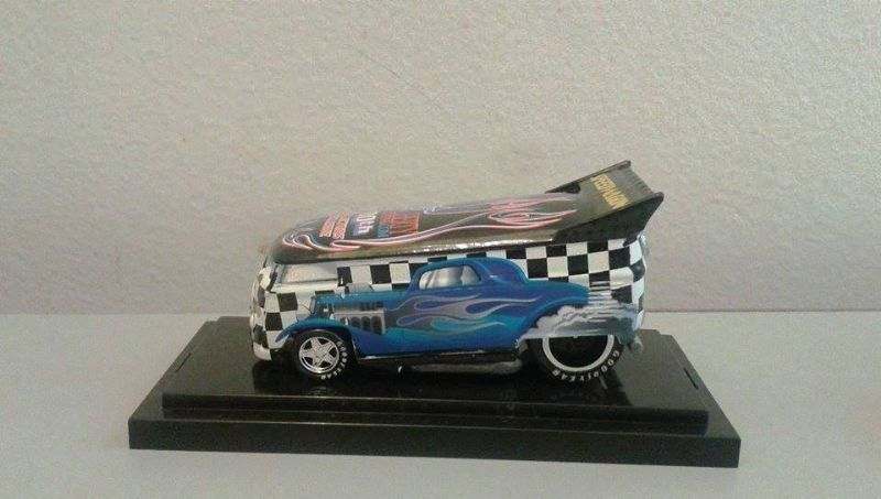 HW Speedwagon VW Bus 100th Collectors Exclusive - 344747