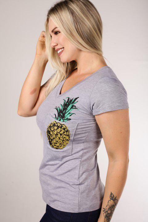 Babylook Up Zup T-shirt Mescla com Decote V e Bolso em Visco