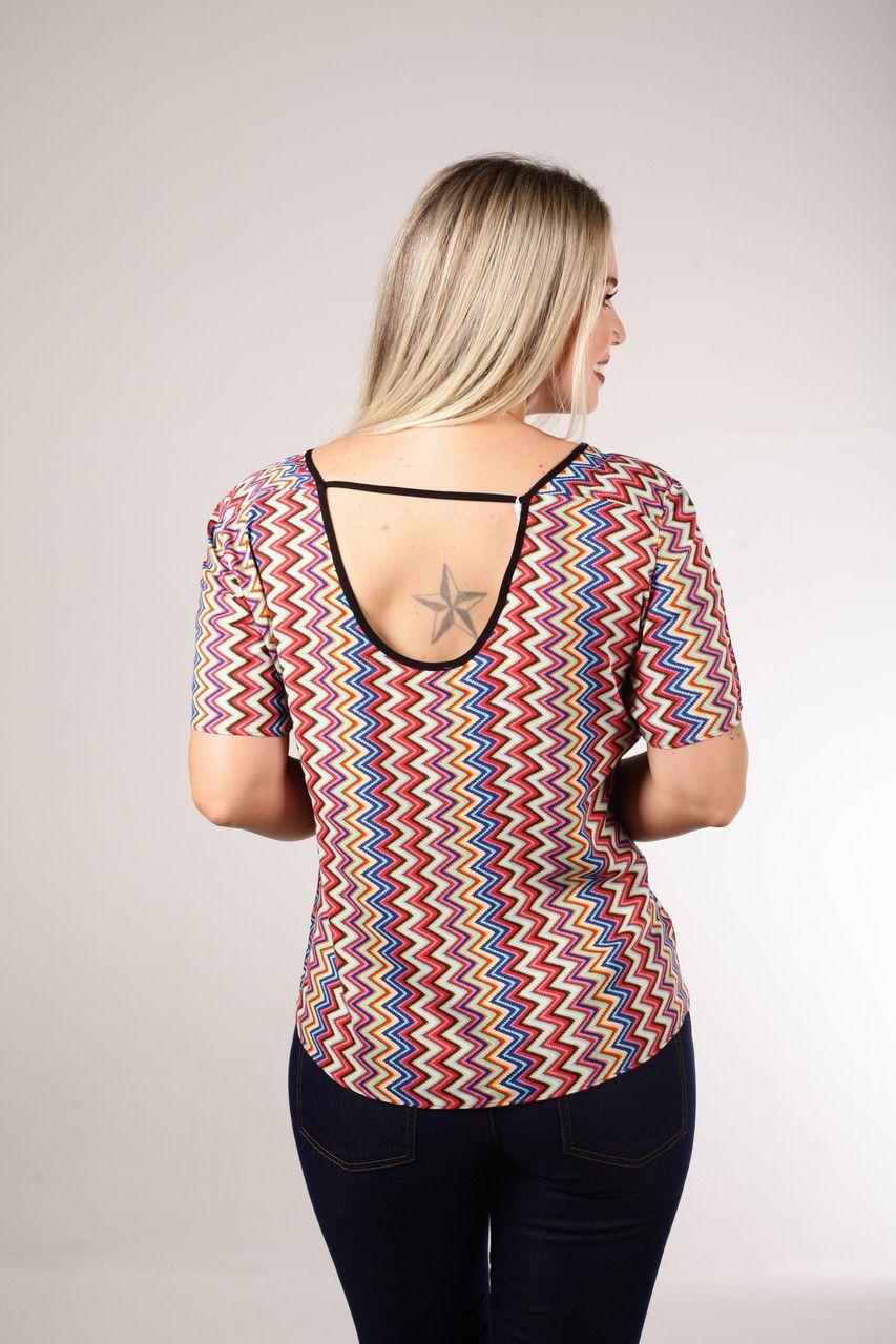 Blusa  T-shirt Estampada Em Viés Preto Smel
