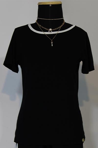 Blusa T-shirt Composê Preta