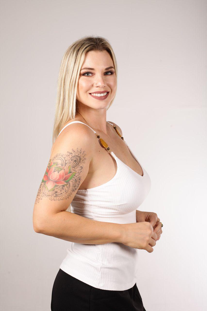 Blusa Tigrara Branca Canelada Com Alça Bordada