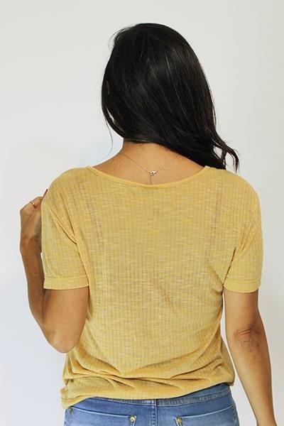 Blusa UseUp T-shirt Decote V com Bolsinho