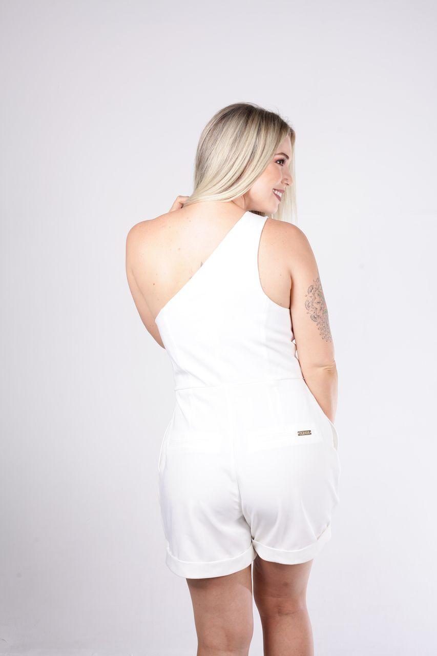 Macaquinho Tigrara De Alfaiataria Off White Detalhe Ombro