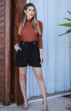 Shorts com Ilhós