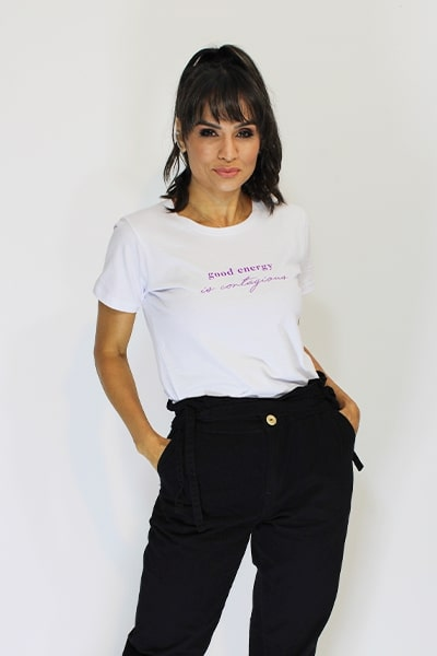 T-shirt Anneliz Branca Estampa Good Energy