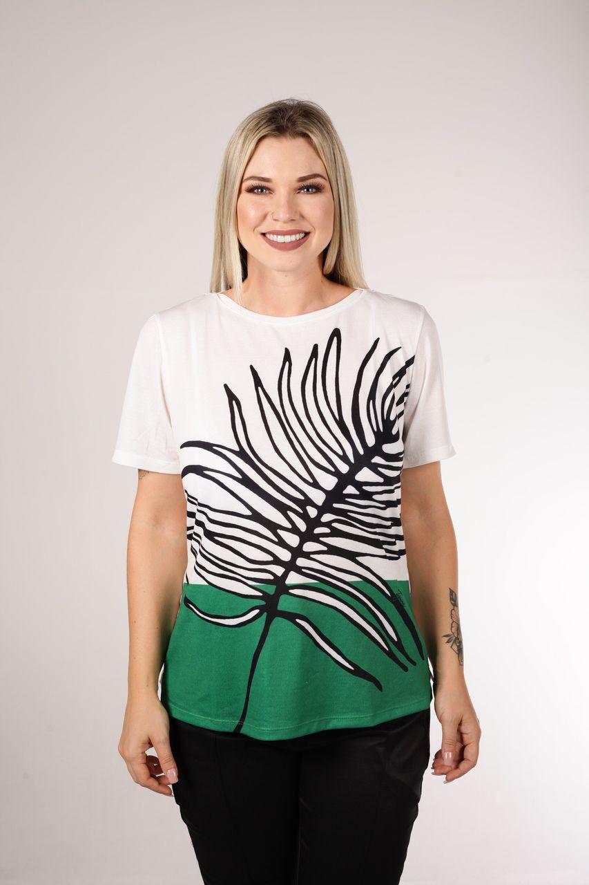 T-Shirt Tigrara Barrada Estampa Folhagem
