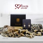 Kit Echarpe Artesanal Animal Print com Brincos Folheados e Mini Sabonetes Perfumados Sensual Velvet