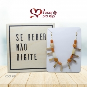 Kit Quadro Decorativo e Colar de Pedras Artesanal