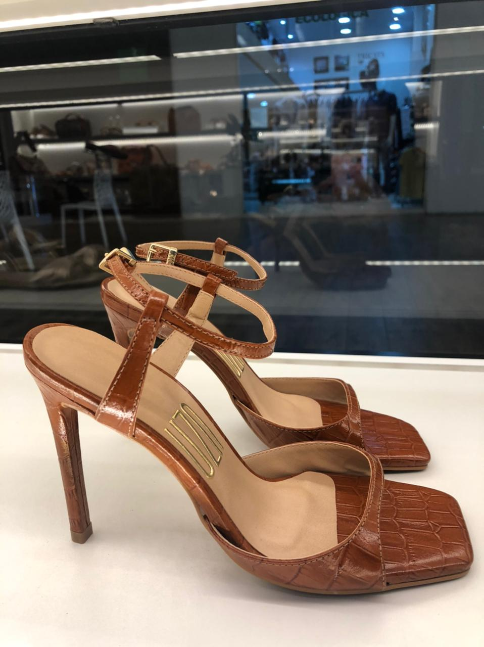 Sandália croco