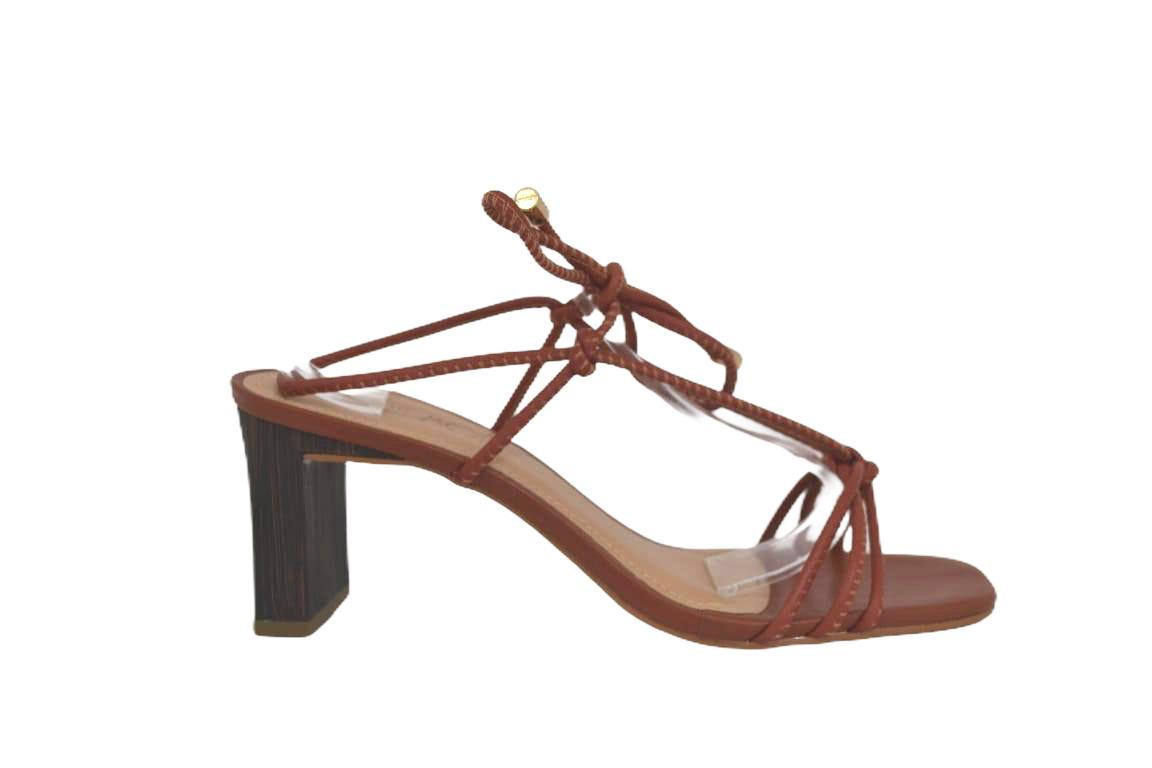 Sandália de salto blocado