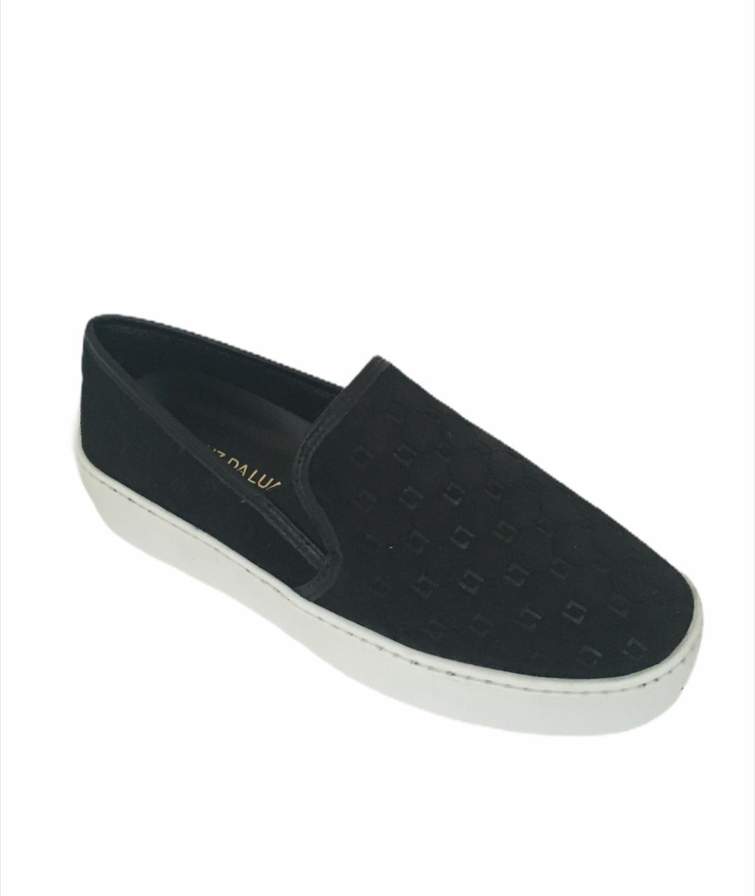 Sapato fechado