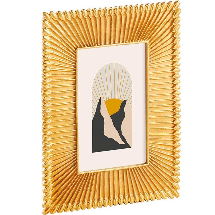 Porta Retrato Dourado de Resina 15x20