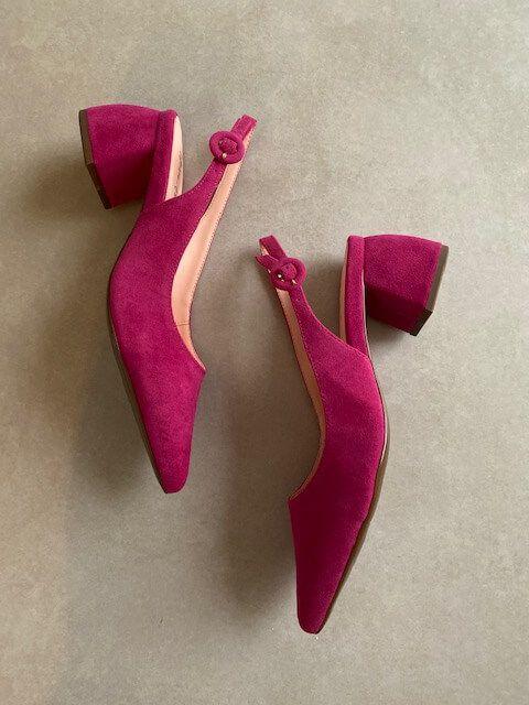 Sapato Cganel em Camurça