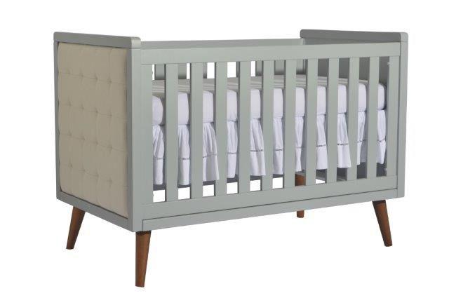 Berço Retrô com painéis de tecido e mini-cama