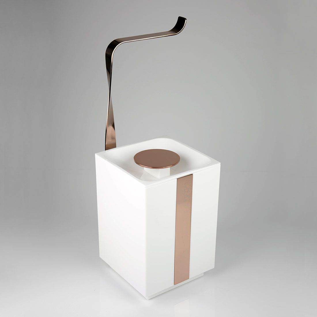 Papeleira de Chão com Lixeira 5 Litros Anello/Miss/Woman/Soho para Banheiros e Lavabos
