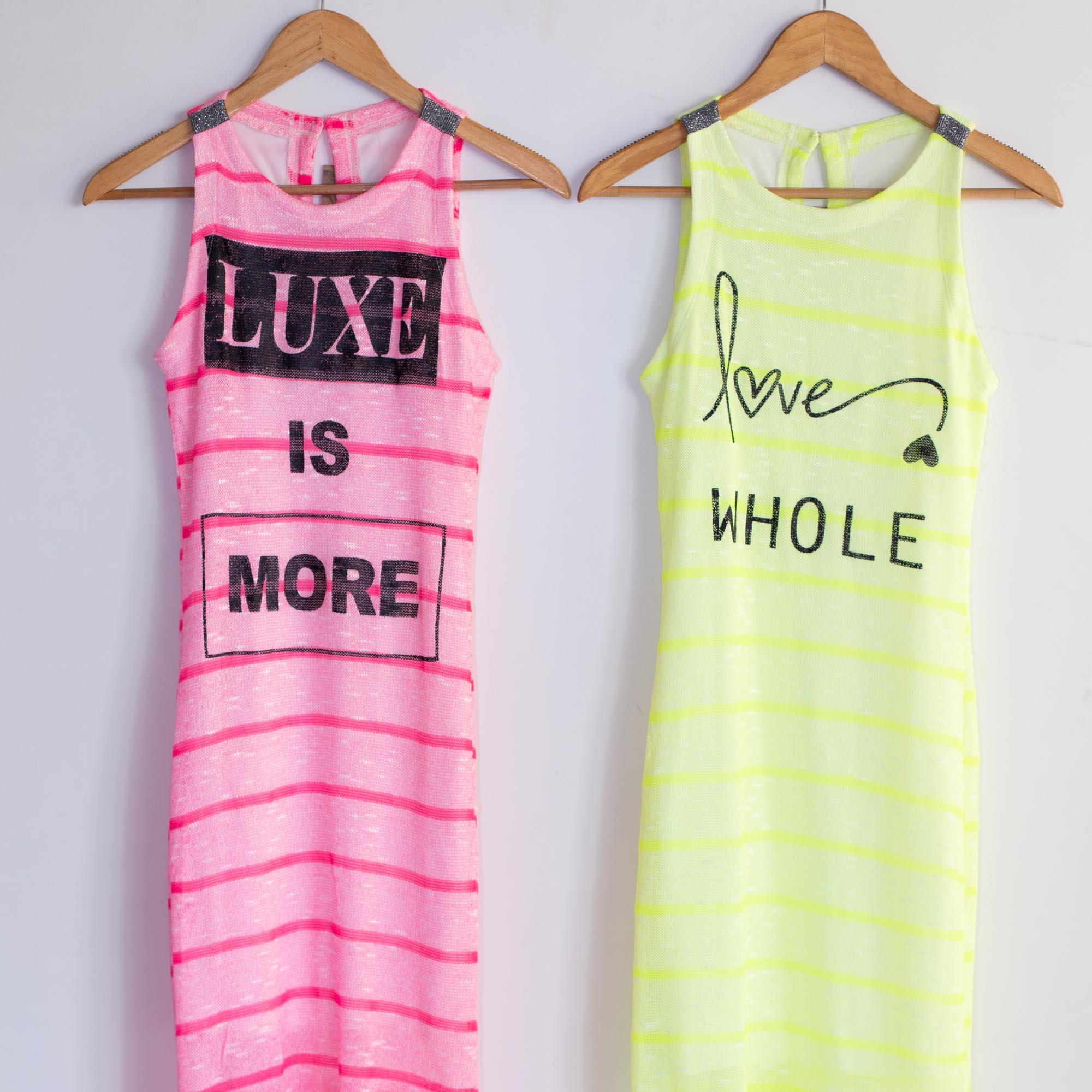 vestido trico neon