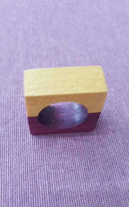 Anel de Madeira - Roxo e Amarelo -  Marchetaria de Madeira Reaproveitada