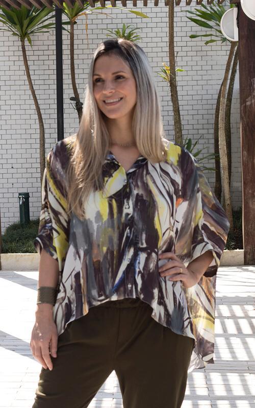 Camisa Mullet Assimétrica - Estampa Abstrata - Moda Sustentável