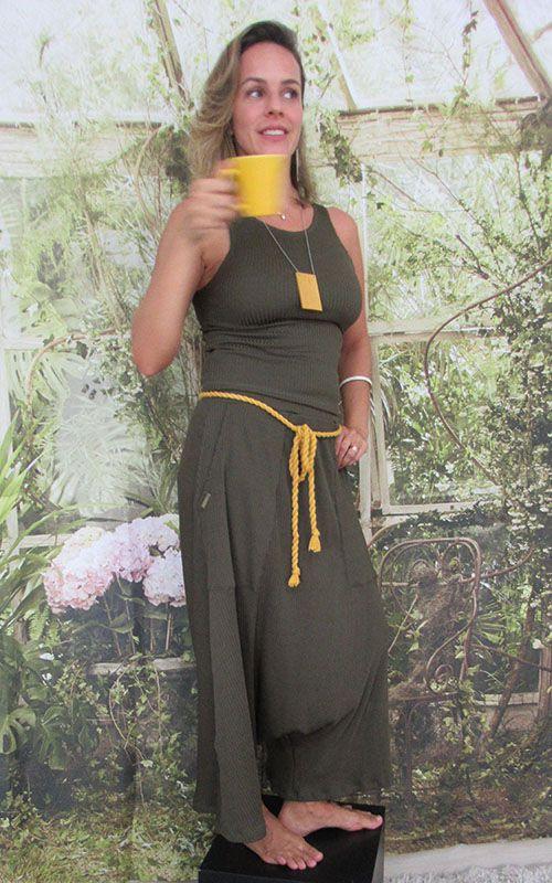 Pantacourt Cintia canelada verde musgo
