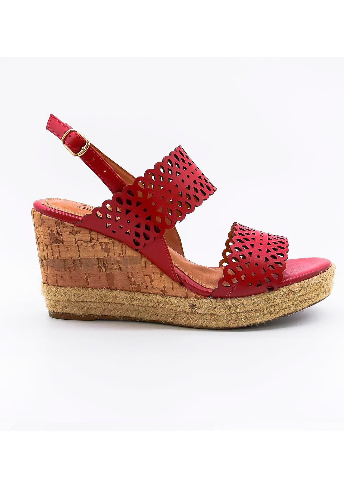 Sandália anabela em couro vermelha
