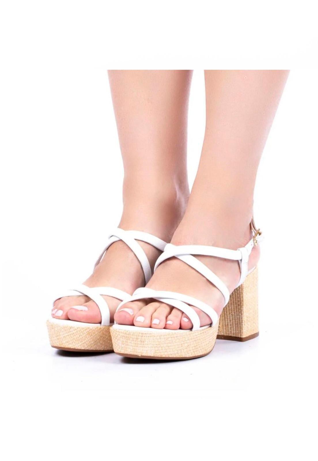 Sandália couro meia pata branca Hits