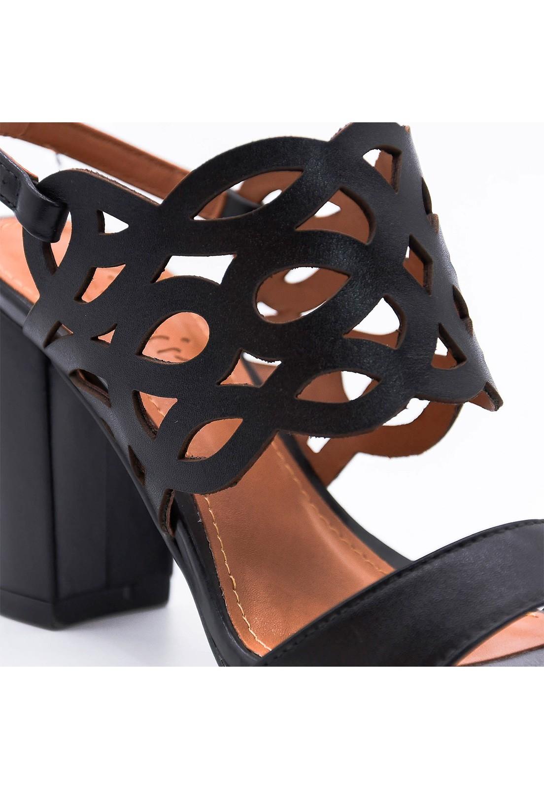 Sandália couro preta Lavine