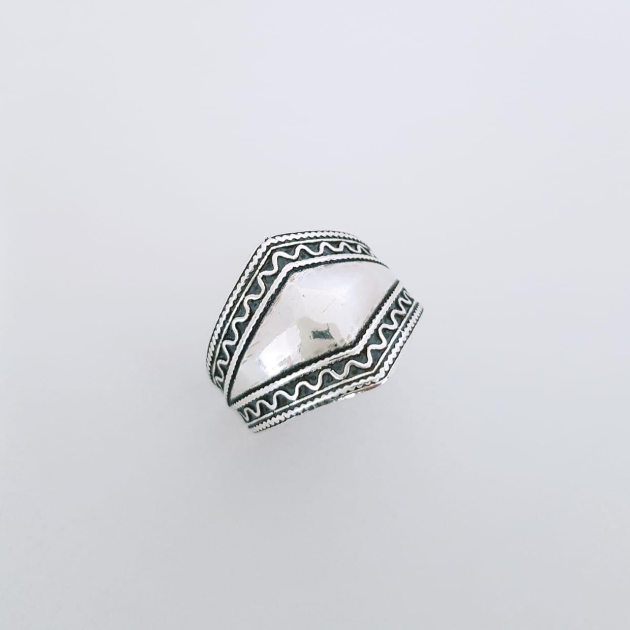 Anel de Prata Bali Detalhado
