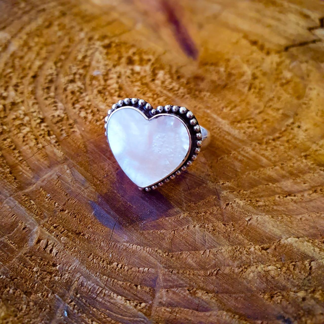 Anel de Prata Coração Madrepérola