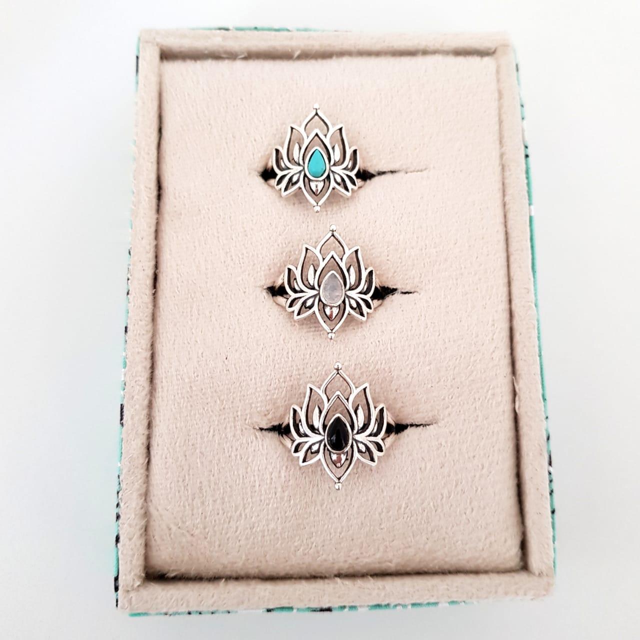 Anel de Prata Flor de Lótus com Gotinhas de Pedras
