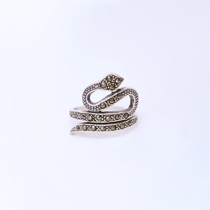 Anel de Prata Serpente Marcassita