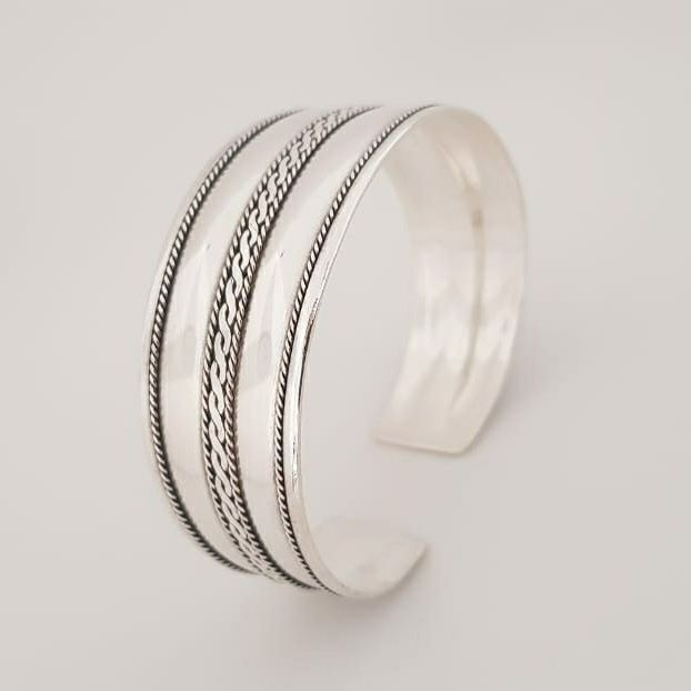 Bracelete de Prata Trançado no Meio