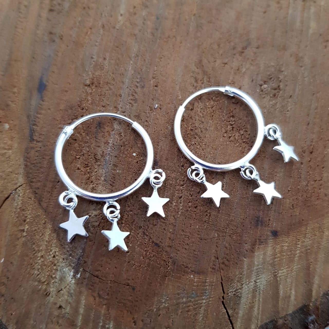 Brinco de Prata Argola com Estrelas