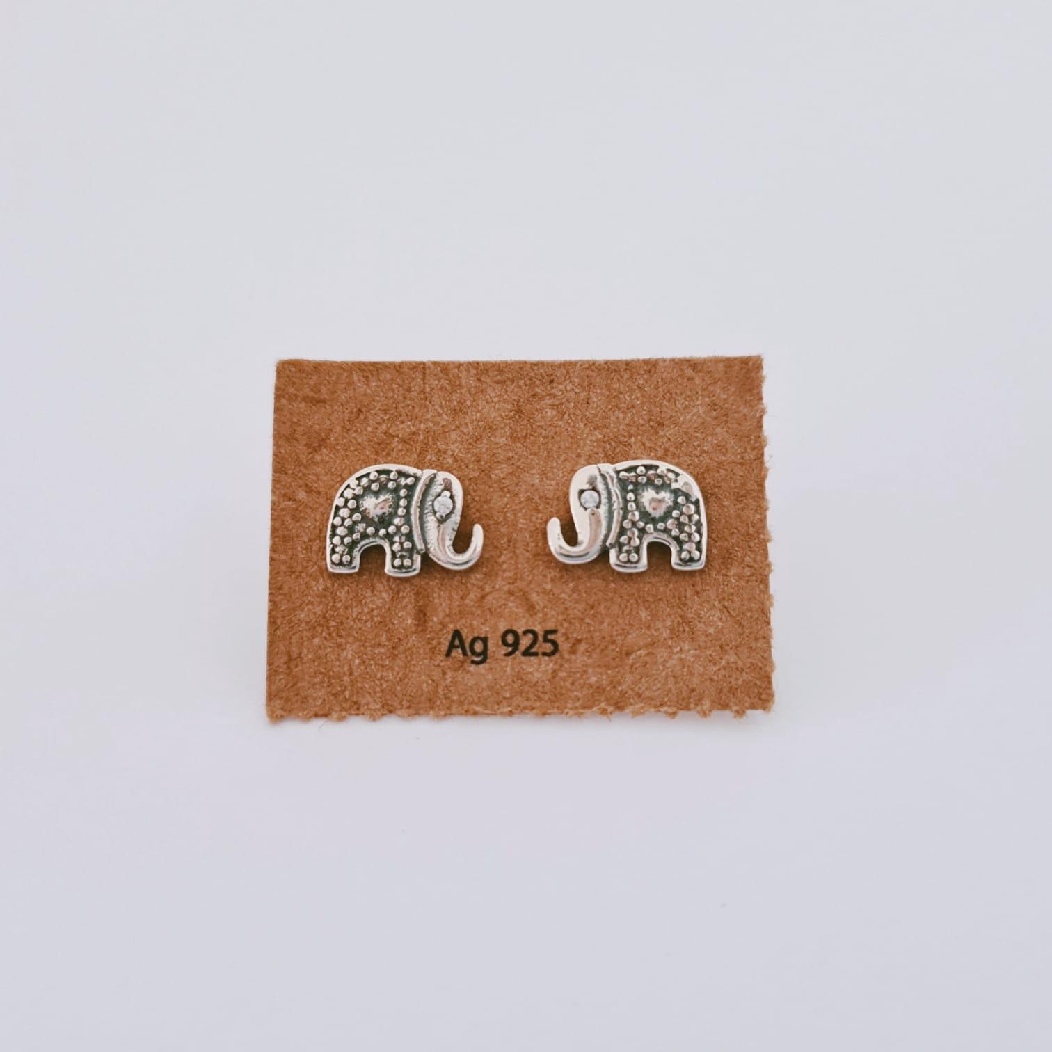 Brinco de Prata Elefante Pontilhado