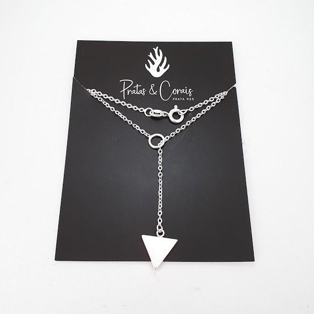 Gargantilha de Prata Gravatinha com Triângulo