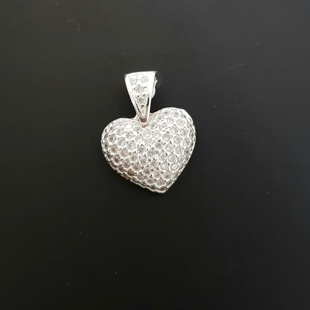 Pingente de Prata Coração Pontilhado em Zircônia