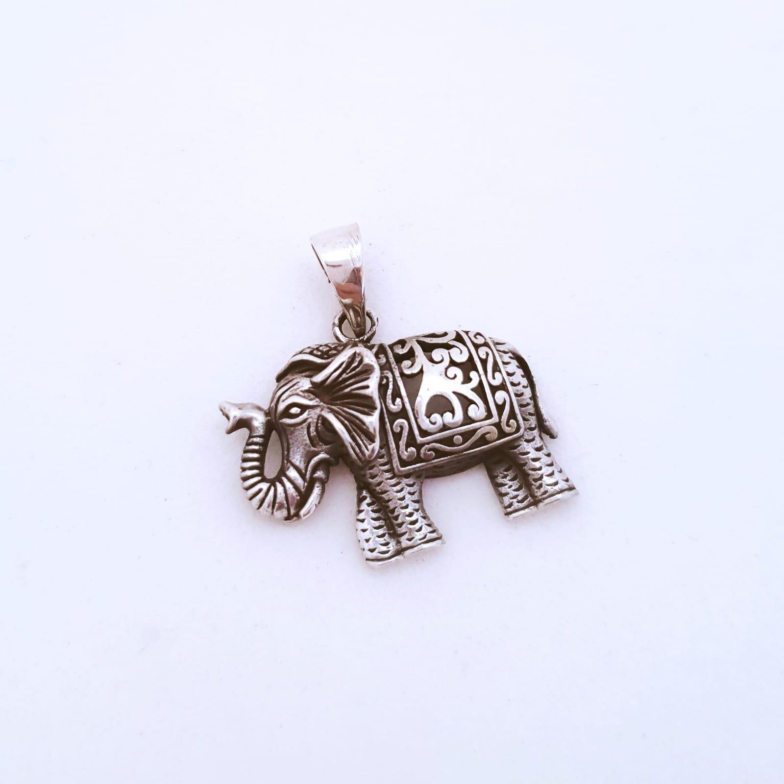 Pingente de Prata Elefante Indiano Envelhecido